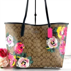 NWT COACH 🌹 City Tote Bag In Signature Canvas With Vintage Rose Print